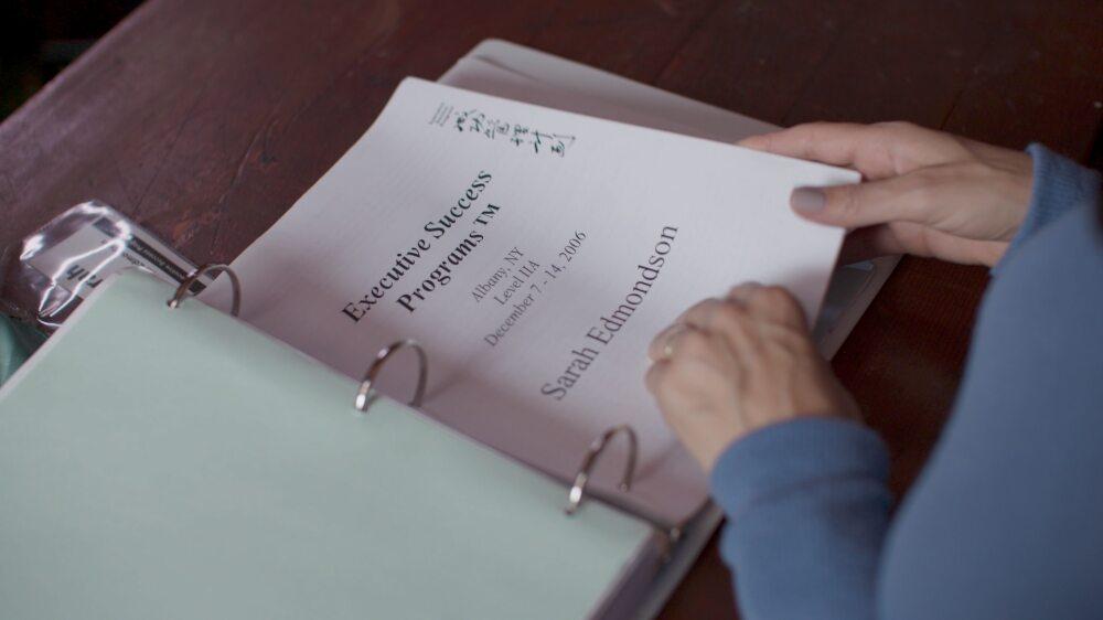 """Kadr z serialu dokumentalnego """"Przysięga"""""""