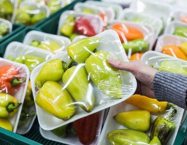 Chiny wprowadzają ograniczenia dotyczące zużycia plastiku. Oto, co ma...