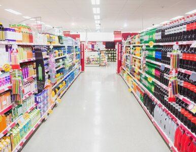 Od dzisiaj zmiany w sklepach. Ile osób może robić zakupy?