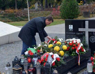 Mariusz Błaszczak złożył hołd ofiarom katastrofy smoleńskiej