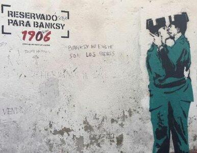 Nowa praca Banksy'ego w Hiszpanii? Tajemnicze graffiti z całującymi się...