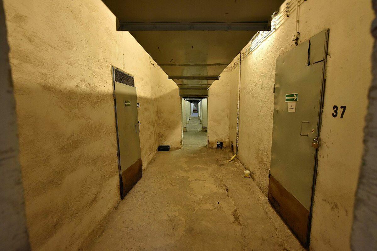 Jeden z korytarzy na poziomie –2, gdzie mieszkają pałacowe koty