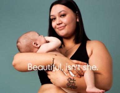 """Kobiety pokazują, jak ich ciała zmieniły się w czasie ciąży. """"Rozstępy i..."""