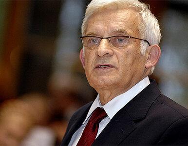 Buzek, Strzembosz i Davies odznaczeni przez prezydenta Komorowskiego
