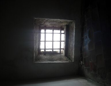 Jak uniknąć więzienia? Na stole operacyjnym