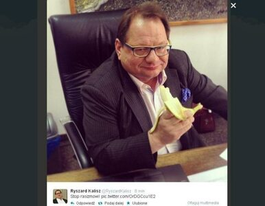 Kalisz... też walczy z rasizmem. Zjadł banana jak Lewandowski