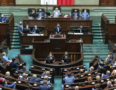 Najnowszy sondaż: Zjednoczona Prawica i KO tracą, Polska 2050 w górę