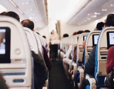 Nagi pasażer zabarykadował się w samolocie. Maszyna musiała zawrócić