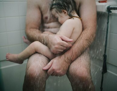 Czułość, czy epatowanie nagością? To zdjęcie podzieliło internautów