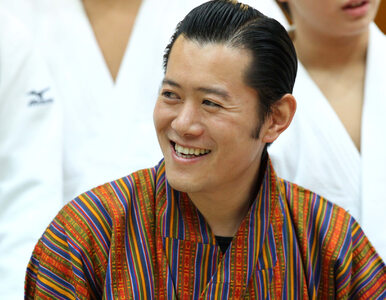 Bhutan. Król wędruje po kraju. Ostrzega mieszkańców przed pandemią