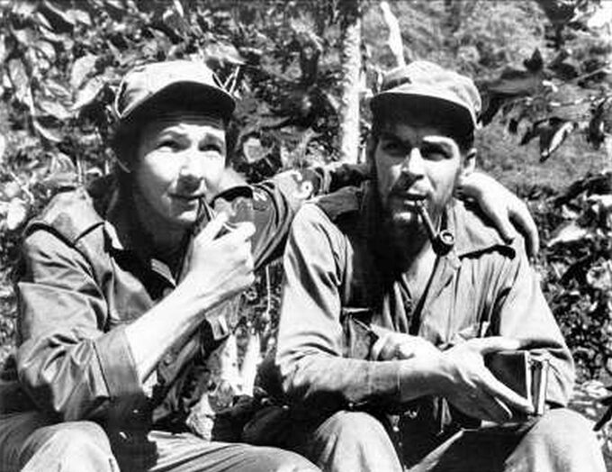 Fidel Castro iErnesto Che Guevara