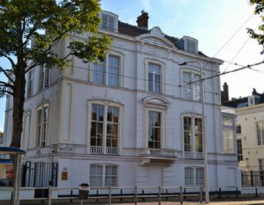Holandia. Mężczyzna chciał się podpalić w polskiej ambasadzie