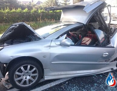 To cud, że nikt nie zginął. Peugeot 206 zmiażdżony między ciężarówkami