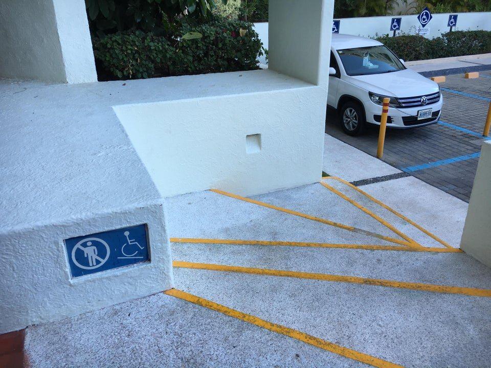 Co za geniusze projektują takie parkingi?