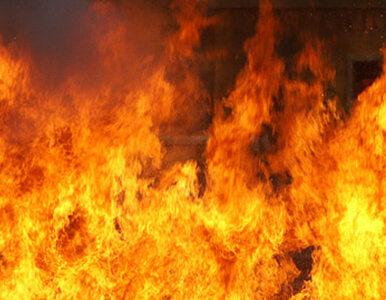 Pożar kamienicy w Bydgoszczy. Dwie osoby nie przeżyły
