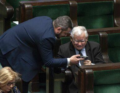 """Rośnie frustracja w PiS. Kaczyński pilnuje rządu. """"Sprawdza wszystkie..."""