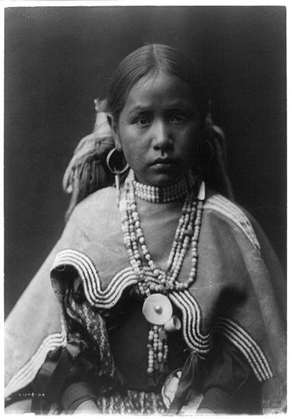 Dziewczynka z plemienia Jicarilla, 1905 rok