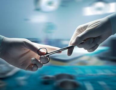 15-kilogramowy guz na szyi rósł przez prawie 50 lat. Chirurdzy wycięli...