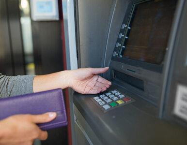 Tak banki przerzucają straty na klientów. Wzrastają opłaty za rachunki i...