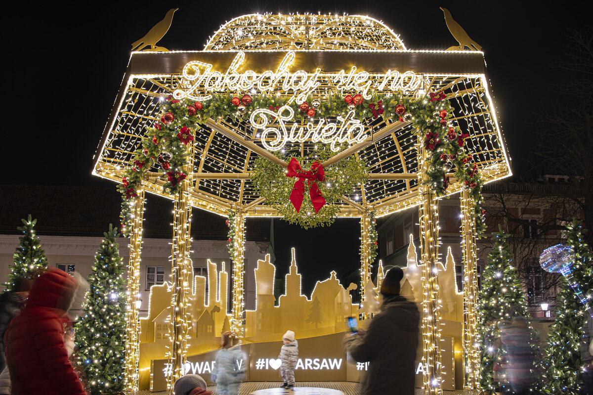 Świąteczne iluminacje w Warszawie