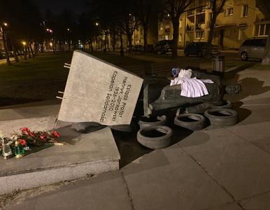 """Pomnik ks. Jankowskiego ponownie na ul. Stolarskiej. """"Ze złamaniem prawa..."""