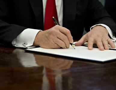 Donald Trump znów podpisał. Każda nowa regulacja, będzie musiała uchylać...