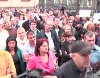 Pikieta w Kijowie. Aktywiści żądają wsparcia dla batalionów ochotniczych...