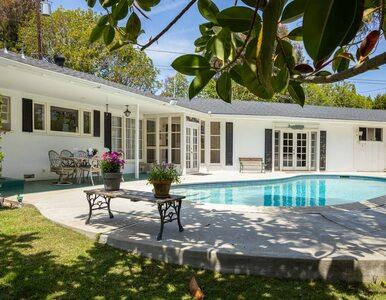 Była żona Elvisa Presleya sprzedaje dom. Wnętrza robią wrażenie?
