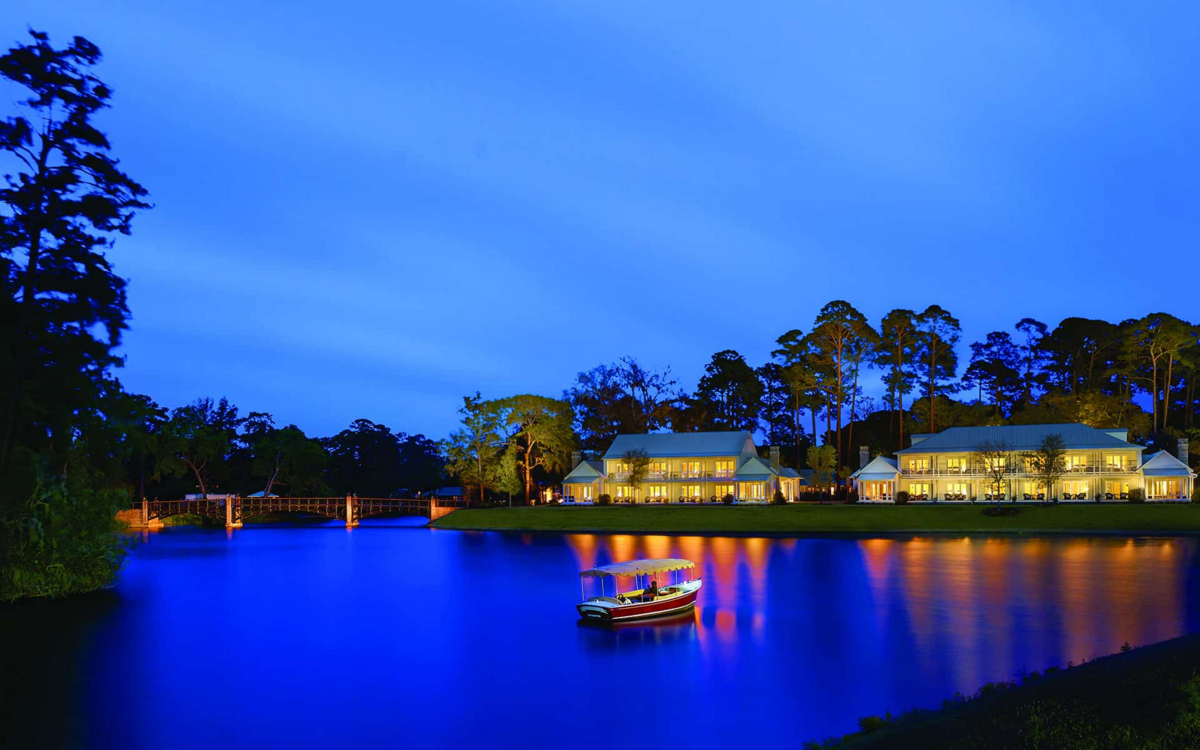 The Montage hotel resort w Palmetto Bluff