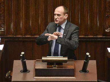 """Kukiz nazywa prezydenta """"podpisywaczem"""" i apeluje o weto ustawy o..."""