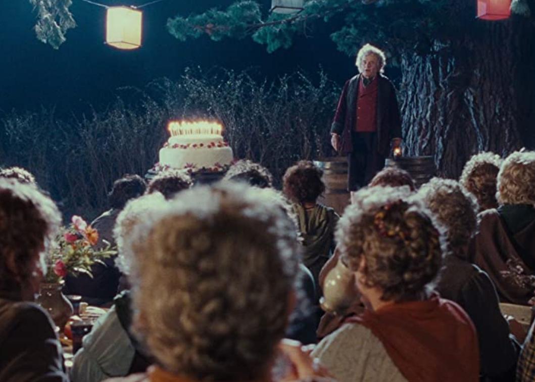 Które urodziny obchodził na początku filmu Bilbo?