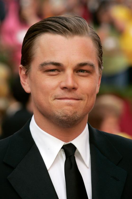 Leonardo DiCaprio podczas 77. ceremonii rozdania Oscarów w 2005 roku