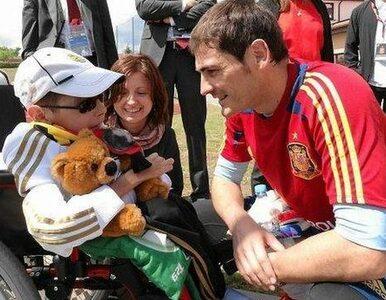 Casillas i Lewandowski zagrają dla Dawida Zapiska?