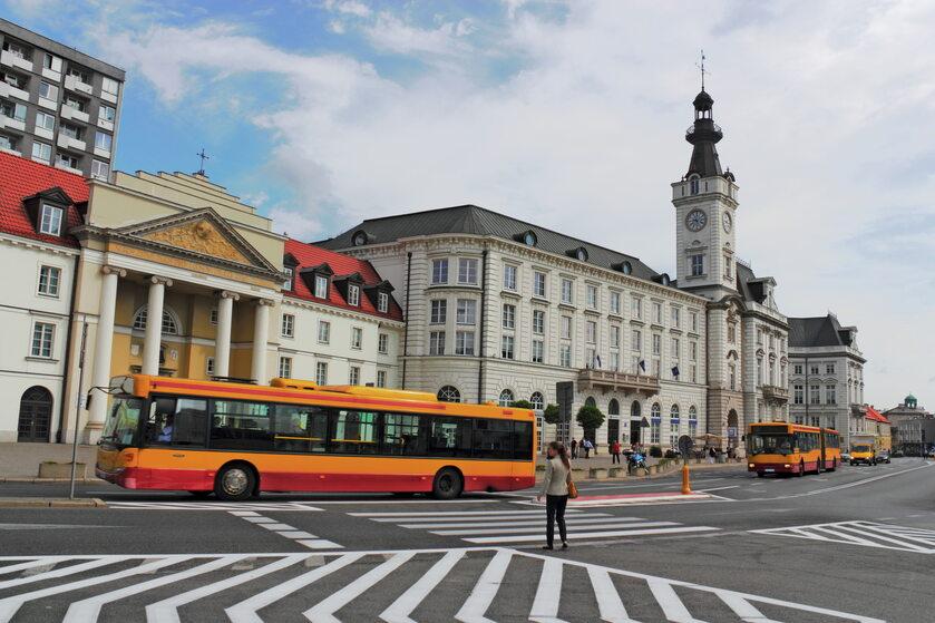 Autobus w Warszawie, zdjęcie ilustracyjne