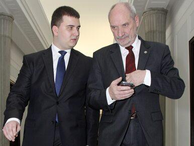 Szef MON odpowiada na wniosek Misiewicza o zawieszenie go w czynnościach...