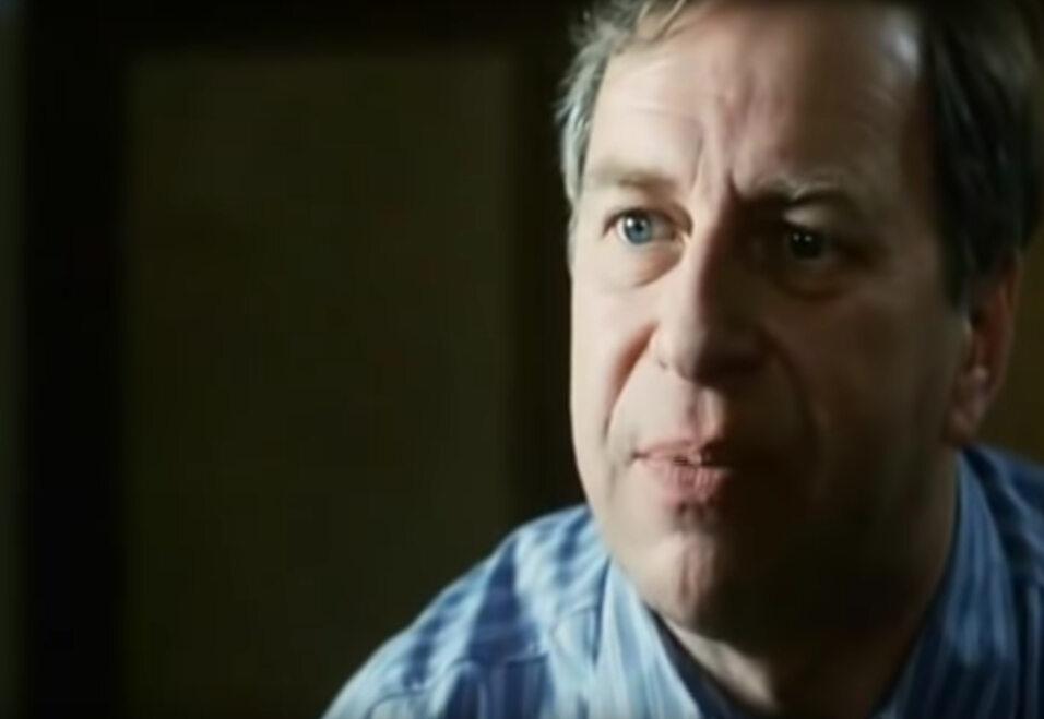 """Jerzy Stuhr w filmie """"Kiler"""" (1997)"""