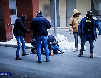 Grzegorz B., scenarzysta Patryka Vegi, zatrzymany przez policję. Jakie...