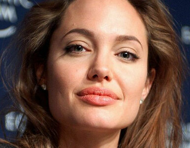 Jolie wyreżyseruje film o Czerwonych Khmerach