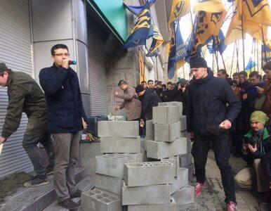 Zamurowany oddział rosyjskiego banku w Kijowie. Akcja #RUSBANKOVER...