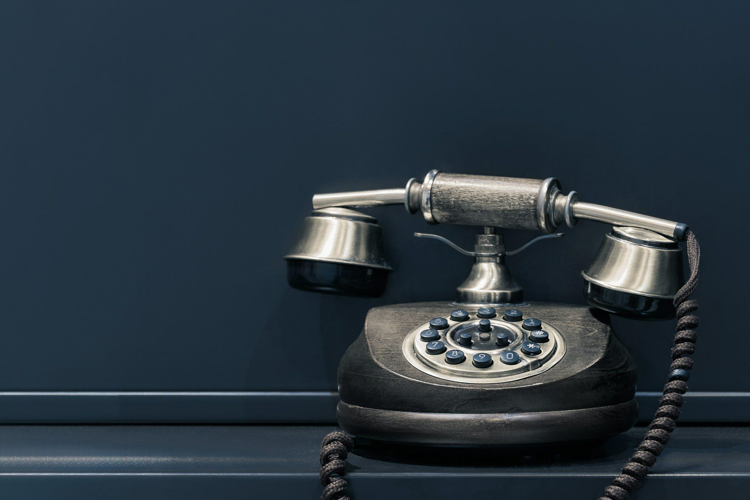 """""""I just called to say I love you, I just called to say how much I care"""". Kto chciał zadzwonić do swojej ukochanej?"""