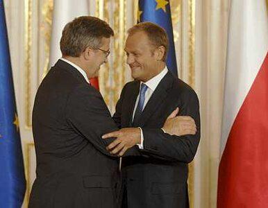 Komorowski czy Tusk? Polacy nie mogą się zdecydować
