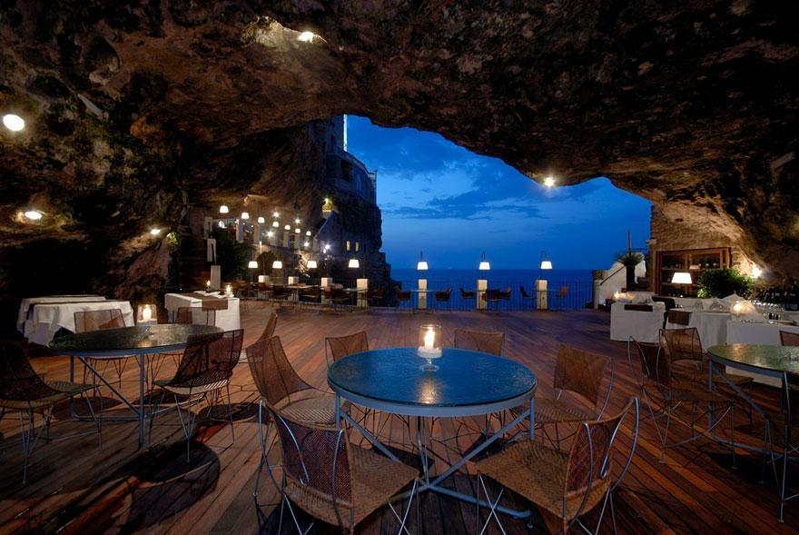 Hotel Ristorante Grotta Palazzese Polignano a Mare, Włoch