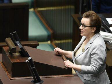 Nowoczesna pyta Zalewską, ilu nauczycieli straci pracę. ZNP podał...