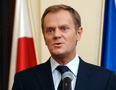 """Tusk przeprasza za """"bulwersujące i skandaliczne zachowania"""" ministrów"""