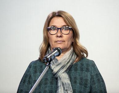 Beata Mazurek domaga się ujawnienia listy osób zaszczepionych poza...
