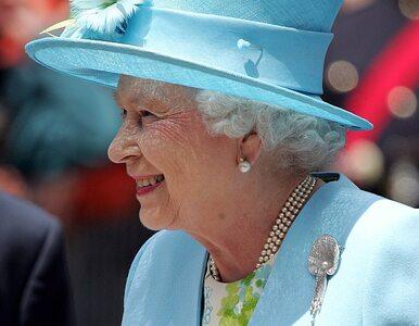 """Królowa Elżbieta II i """"Gra o tron"""". Zobacz wideo"""