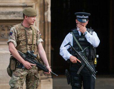Wojsko, policja i saperzy w jednej ze szkół w Manchesterze. O co...