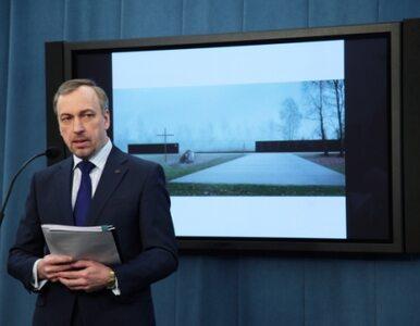 """Komorowski zaprezentował pomnik smoleński, który """"łączy, a nie dzieli"""""""