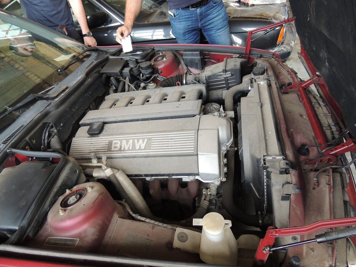 25-letnie BMW z bułgarskiego magazynu. Nigdy nie wyjechały na drogi