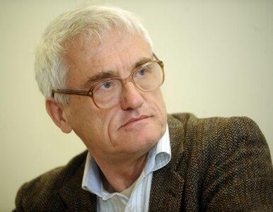 """Jan T. Gross mówił, że Polacy """"zabili więcej Żydów niż Niemców"""". Jest..."""